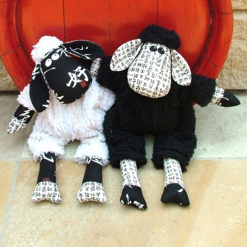 """Melly&Me Schnittmuster """"black sheep & white sheep"""""""